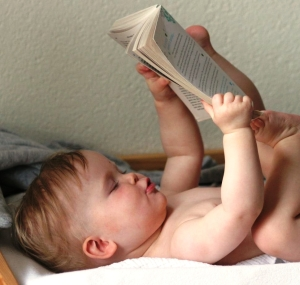 baby_reading_book