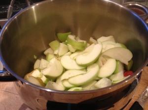 apples in the saucepan - Copy