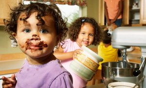 children-cooking-choc-on-mouth1