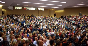 packed_hall