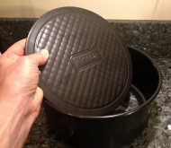 cake tin has removable bottom