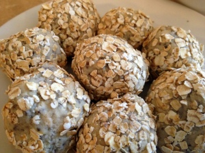Finished oat rolled whey protein balls.2