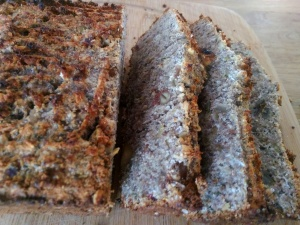 banana-date health nut bread 3