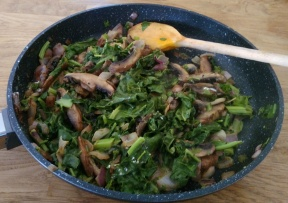 Quick veg - mushroom, spinach, onions and cream.